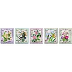 Тетрадь А5, 48 л. Красивые цветы/ скрепка, клетка, обл.-тисн. цв. фольгой, асс